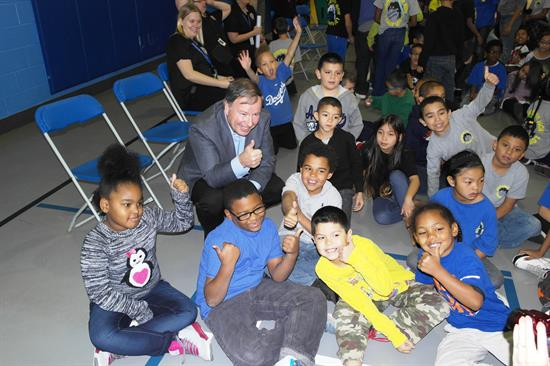Congressman Lamborn delivers books and smiles to Centennial Elementary School in Colorado Springs.